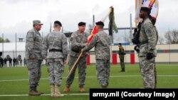 Бен Ходжес (центр див. у камеру) приймає командування армією США у Європі