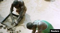 Garimpeiros em Angola, 1998