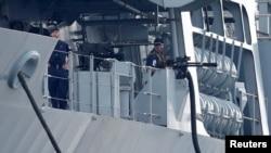 Thủy thủ đoàn trên tàu tấn công HMS Albioncủa Hải quân Hoàng gia Anh tại Tokyo, Nhật Bản, ngày 3/8/2018.