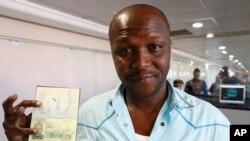 Abraham Chaloub, anggota tim nasional sepakbola Guinea. Maroko bersikeras pada tuntutannya untuk menunda turnamen Piala Afrika sehubungan wabah Ebola di Afrika Barat, meskipun ada tekanan dari Konfederasi Sepakbola Afrika.