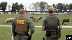 Федеральные агенты ипподроме в штате Нью-Мексико