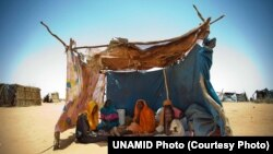 Displaced persons such as these from East Darfur, who are at a camp in Darfur, would benefit from increased aid that UN official Valerie Amos pledged to call for.