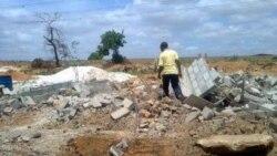 Prosseguem demolições no Zango -1:58