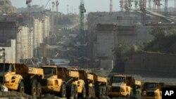 Las obras de ampliación en el Canal de Panamá se reanudaron este jueves luego de que las empresas constructoras y el gobierno llegaron a un preacuerdo.