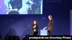 Predsjednik Crne Gore Milo Đukanović tokom ceremonije otvaranja energetskog kabla između Crne Gore i Italije