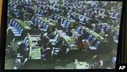 Majelis Umum PBB dengan dengan suara 154-3 mengesahkan perjanjian pertama mengenai perdagangan senjata global, Senin (2/4).