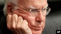 El presidente del Comité Judicial del Senado, Patrick Leahy, se queja del retraso que ha causado la falta de un proyecto concreto de reforma migratoria.
