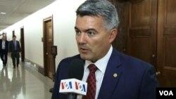 美国参议院外交委员会亚太小组委员会主席加德纳在接受美国之音采访。