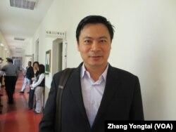 执政党国民党立委吴育仁(美国之音张永泰拍摄)