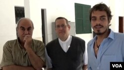 Sveštenik Aleks Koeljo Sampajo radi sa sirijskim izbeglicama u Brazilu