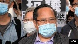 本身是執業律師的支聯會副主席何俊仁對8-18流水式集會案的 量刑起點及判刑觀點感到驚訝及失望。(美國之音 湯惠芸)