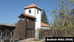 Bobana Petrovića je na poduhvat inspirisalo to što je Gračanica poznata po srednjovekovnom kulturnom nasleđu.
