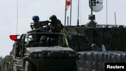 参加汉光军演的台湾军车 (资料照)