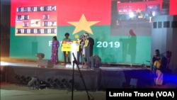 Une remise de prix au Fespaco 2019, à Ouagadougou, Burkina, 2 mars 2019. (VOA/Lamine Traoré)