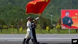 Пригород Пекина, КНР. Идет подготовка к параду. 22 августа 2015 г.