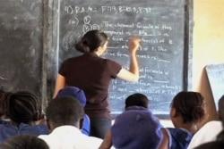 Sindicato de professores reune de emergencia em Luanda - 2:04