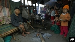 Kachin refugees in Yunnan province