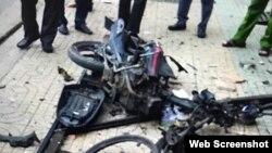 Vụ nổ tại công an phường 12 được cho là từ chiếc xe máy, ngày 20/6/2018. Ảnh VNExpress