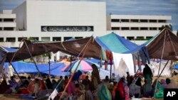 تجمع معترضان پاکستانی در مقابل ساختمان مجلس آن کشور در اسلام آباد