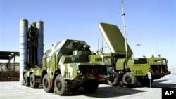 Sistem rudal anti-pesawat S-300 buatan Rusia yang rencananya akan dikirim untuk membantu rezim pemerintahan Suriah. (Foto: Dok)
