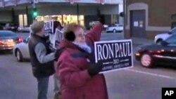 紧张的竞选活动正在美国爱奥华州展开