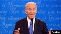 Tsohon mataimakin shugaban kasa Joe Biden yana bayani yayin muhawara