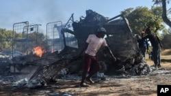 En images: Manifestations violentes à Pretoria en amont des élections municipales