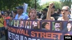 Des manifestants dans la rue à Charlotte