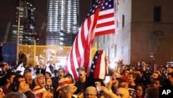 获悉本-拉登被击毙后,美国民众以各种形式表示欢庆