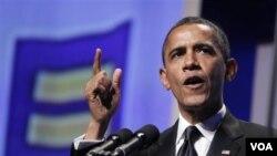 Presiden Barack Obama memberikan pidato pada acara makan malam tahunan sebuah kelompok HAM di Washington DC (1/10).