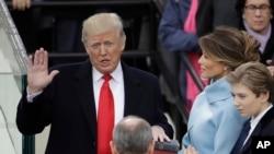 2017年1月20日,唐纳德·川普宣誓就任第45任美国总统。