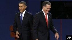 Hai ứng cử viên trong cuộc tranh luận lần thứ nhất: Ứng cử viên Đảng Dân Chủ Tổng thống Obama (trái) và ứng cử viên Đảng Cộng Hòa Mitt Romney