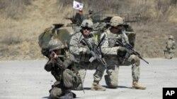 Солдати на навчаннях у Південній Кореї