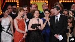 """El elenco de """"Fun home"""" celebran la entrega del Premio Tony a Mejor Musical"""