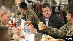 من از افغانستان با یک دید مثبت برگشتم، درمقایسه به آنچه که قبل از رفتن فکر میکردم