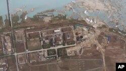 卫星图像: 朝鲜宁边核设施