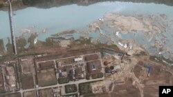 Hình ảnh vệ tinh do GeoEye cung cấp cho thấy khu vực quanh cơ sở hạt nhân Yongbyon ở Bắc Triều Tiên.