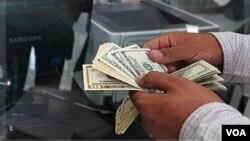 El lavado de dinero lo realizaban a través de su negocio de venta de ropa y lencería a México.