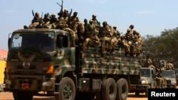 2013年12月21日苏丹人民解放军士兵(资料照片)