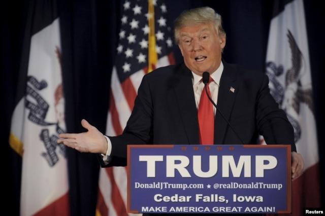 U.S. Republican presidential candidate Donald Trump speaks at a campaign event at University of Northern Iowa in Cedar Falls, Iowa, Jan. 12, 2016.