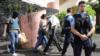 საფრანგეთის კუნძულზე რადიკალმა ისლამისტმა ორი პოლიციელი დაჭრა