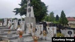 Grobovi ubijene djece iz Viteza (Izvor: BIRN BiH)