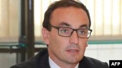 ARSIP – Thomas Cazenave, yang saat itu menjadi menteri untuk direktur kabinet industri tampak dalam sebuah rapat dengan para perwakilan serikat pekerja di Kementrian Ekonomi di Paris, Perancis, 13 September 2016 (foto: AFP PHOTO/Jacques Demarthon)