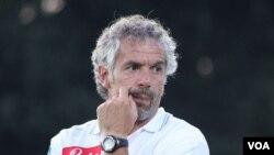 Roberto Donadoni ditunjuk sebagai pelatih baru Cagliari, yang saat ini berada dalam posisi kedua dari bawah dalam klasemen liga Serie A.