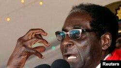 Robert Mugabe s'accroche au pouvoir depuis plus de 30 ans