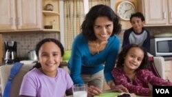 """La clasificación de """"hispano"""" del Censo incluye a personas blancas, negras, de origen latinoamericano o estadounidenses cuyos ancestros fueron latinoamericanos hace varias generaciones."""