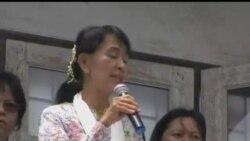 2012-05-30 美國之音視頻新聞: 昂山素姬在泰國與緬甸移民會面