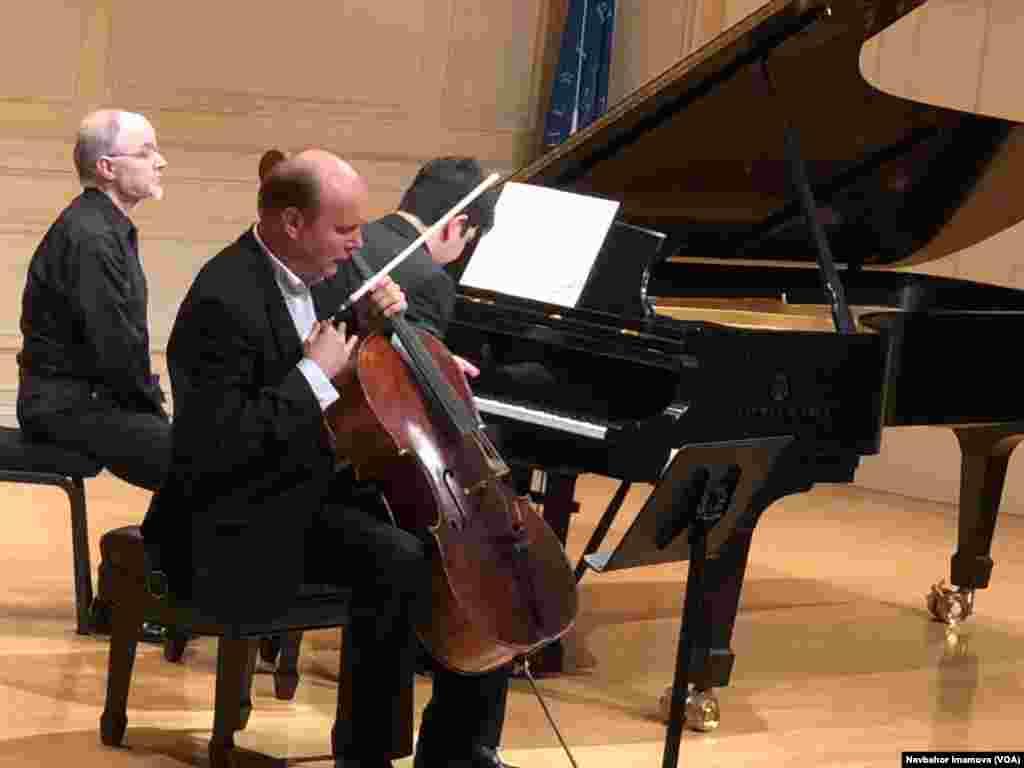 O'zbekistonlik pianist Behzod Abduraimov va norvegiyalik violonchel ustasi Truls Mork