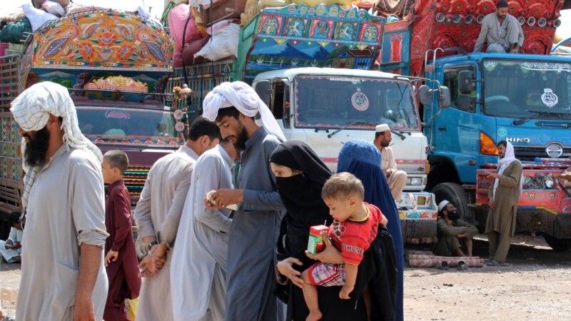 کابل په پاکستان کې د میشتو افغان مهاجرو په راستنولو کار کوي