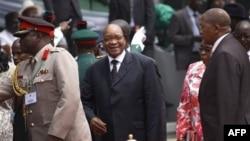 Президент ПАР намагатиметься зупинити кровопролиття у Лівії